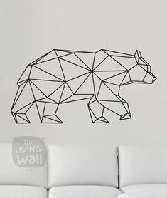Notre sticker mural ours graphique exclusif est sûr de devenir un classique à décor géométrique à la maison. Mêlant les dernières tendances pour la conception géométrique avec des animaux de la forêt le résultat est frais et moderne mais aussi classique. Parfait pour votre salon, chambre à coucher ou n'importe où dans votre maison il serait aussi sympa dans une chambre de bébé moderne. Cela fait partie de notre collection de sticker mural bois géométrique ; Nous espérons que vous l'aimez…