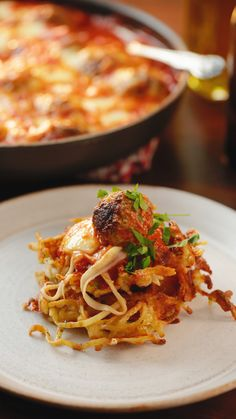 Made too much spaghetti? Here's a great hack to make the most of your leftovers! and Drink meals Spaghetti Waffles Easy Cooking, Cooking Recipes, Healthy Recipes, Cooking Ribs, Pasta Recipes, Dinner Recipes, Good Food, Yummy Food, Yummy Snacks