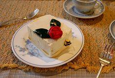Red tea box cake