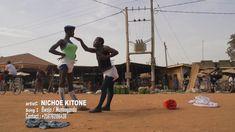 Artistas humorísticos de Uganda-Ritmo africano.