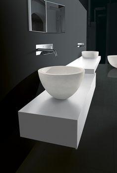COUNTERTOP STONE WASHBASIN I FIUMI WASHBASINS COLLECTION BY BOFFI | DESIGN  CLAUDIO SILVESTRIN Badewanne, Moderne
