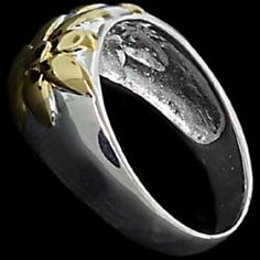 Silver ring, flowers, gold-plated Silver ring, Ag 925/1000 - sterling silver. Beautifully crafted design of two flowers. Gilded flowers. Fine workmanship – indistinguishable from white gold.