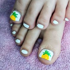 Nail art Christmas - the festive spirit on the nails. Over 70 creative ideas and tutorials - My Nails Beach Toe Nails, Cute Toe Nails, Summer Toe Nails, Cute Toes, Toe Nail Art, Cute Toenail Designs, Pretty Nail Designs, Nail Art Designs, Toe Nail Designs Summer