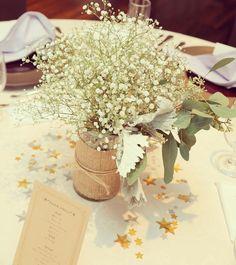 かすみ草を飾ったゲストテーブル装花まとめ | marry[マリー]