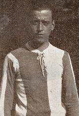 João César Nunes, foi um médio/extremo esquerdo que vestiu a camisola do Futebol Clube do Porto na década de 1920. Segundo as crónicas antigas, era um jogador de elevado nível técnico como tático. Essas suas qualidades valeram-lhe a titularidade na equipa portista que conquistou o Campeonato de Portugal por duas vezes. A primeira aconteceu na temporada de 1921/22. No primeiro campeonato organizado pela F.P.F. os Dragões defrontaram o Sporting C.P. na final. O primeiro jogo disputou-se no…