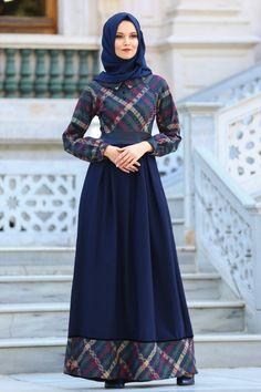 16 Ideas Dress Long Flowy Outfit For 2019 Muslim Dress, Hijab Dress, Dress Outfits, Trendy Dresses, Vintage Style Dresses, Nice Dresses, Islamic Fashion, Muslim Fashion, Abaya Fashion