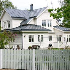 German Houses, Future House, Pergola, Garage Doors, Windows, Tiny Houses, Building, Garden, Outdoor Decor