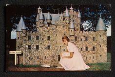 1970s Model of Glamis Castle Woodleigh Replicas Pretty Girl Kensington PE Canada