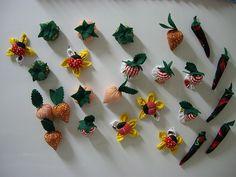 imã de geladeira: legumes, frutas e flores em tecido