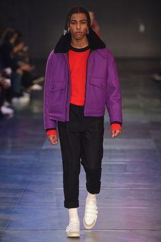http://www.vogue.com/fashion-shows/fall-2017-menswear/ami/slideshow/collection
