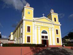 "Iglesia San Miguel Arcangel - established 1746. Utuado, Puerto Rico*****  ""ParoquiaSanMiguelArcangelAug2007"" by Jbermudez at en.wikipedia."