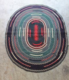 vintage oval woven rug 4' x 3'
