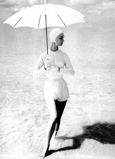 Evelyn Tripp, photo by Lillian Bassman, Barbados, 1954