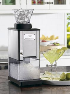 A detailed review of the Waring Pro Ice Crusher Machine for home use - including the best place to buy - Quality reviews at On The Gas.