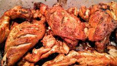 Un grand classique de la cuisine indienne. Il vous suffit de suivre le mode d'emploi du sachet d'épices tandoori que vous achetez au rayon de produits exotiques ou, mieux, dans une des épiceries indiennes du passage Brady, à Paris. Le tandoor est le nom du four en terre cuite en forme de jarre qui sert à la cuisson traditionnelle. Mais le grill du four ou un barbecue fait l'affaire.