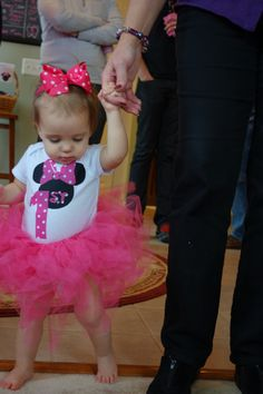 Smash Cake outfit. Minnie Mouse onesie and tutu.