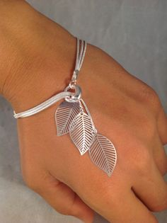 Sterling silver bracelet Simple filigree leafs falling leafs bracelet jochec leaf bracelet leaf jewelry modern sterling silver bracelet – Silver Jewellery / Silberschmuck - To Have a Nice Day Leaf Jewelry, Wire Jewelry, Jewelry Crafts, Beaded Jewelry, Jewelery, Silver Jewelry, Handmade Jewelry, Beaded Bracelets, Silver Ring