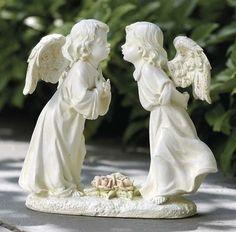 Cute Miniature Kissing Angels Garden Figure