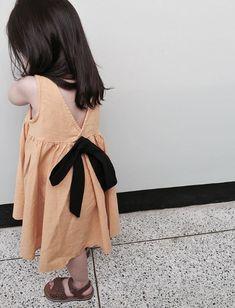 Mamma to su hu pan gussho karu deda tame aam Karo to. Little Girl Fashion, Toddler Fashion, Kids Fashion, Dear Future Husband, Korean Couple, Baby Kids, Baby Baby, Everything Baby, Baby Family