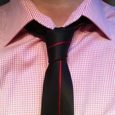 The classic four-in-hand loose with my sick tie from mentiesshop.com
