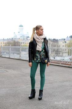 Blond Rivets | Elle