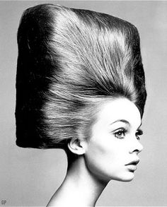 • Hair Style years '60s '70s • Girls & women hairdo 1960 1970 (How about this hairdo?)