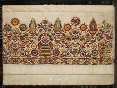 Folk Costume, Costumes, Greek Design, Greek Art, Embroidery Patterns, Fabric Design, Bohemian Rug, Cross Stitch, Traditional