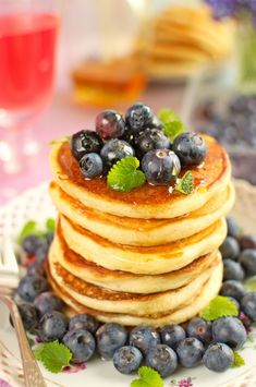 Puszyste placki jogurtowe Hoe Cakes, Yogurt Pancakes, Yummy Food, Tasty, Happy Foods, Dessert Recipes, Desserts, Food And Drink, Healthy Eating
