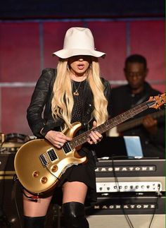 #Orianthi - #HeavenInThisHell #best #GuitarHeroLive Guitar Hero Live, Guitar Girl, Music Pics, Music Photo, Bass, Female Guitarist, Female Singers, Jazz Painting, Ladies Of Metal