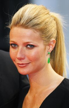 40 Interesting Facts About Gwyneth Paltrow : People : BOOMSbeat www.boomsbeat.com1923 × 3000Search by image Actress Gwyneth Paltrow attends the 28th Annual Deauville Film Festival on September 3, 2002 in