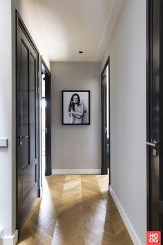 Martijn Veldman - Contemporary residence with classic elements - Hoog ■ Exclusieve woon- en tuin inspiratie. House Design, Black Interior Doors, Interior, Home, Decor Interior Design, Doors Interior, House Interior, Home Deco, Hallway Designs