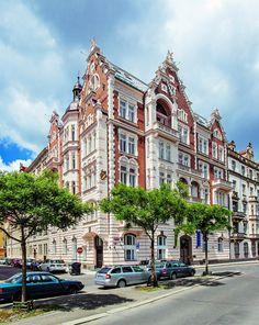 Díky přístupu investora i citlivému projektu architekta Richarda Zachara získala rezidence Rivergate na Janáčkově nábřeží cenu Best of Realty 2013.