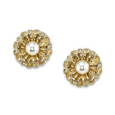 A delightful pair of gilded flower studs are decorated with faux pearls for a lovely and sophisticated look. A great accessory to accent any outfit.
