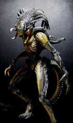 Predalien Custom by Jova Cheung from AVP-R Alien Vs Predator, Predator Art, Alien Creatures, Fantasy Creatures, Creature Feature, Creature Design, Alien Figure, Giger Alien, Aliens Movie