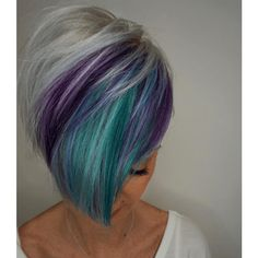 There is a new hair color trend in 2019 and it really has the wow factor. Peacock hair color is set to be big for the summer so check out some of the best looks Peacock Hair Color, Cool Hair Color, Funky Hair Colors, Hair Color And Cut, Colorful Hair, Funky Hairstyles, Pretty Hairstyles, Teenage Hairstyles, Short Hair Cuts