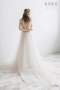 Rara Avis Wedding Dress