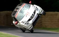 Nissan Juke RS Nismo breaks record on two whhels for Hill Climb