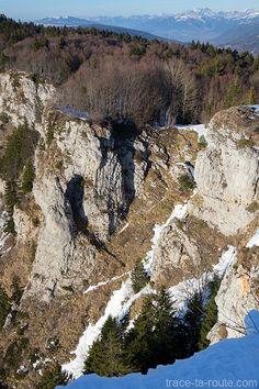 Passage de la montée à la Croix du Nivolet par la Cheminée