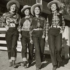 "Fashion History Lesson: The Bond Between Ladies and Levi's. From cowgirls to ""It"" girls, Levi's jeans have helped to empower women through fashion. Womens Fashion Casual Summer, Office Fashion Women, Womens Fashion For Work, Cow Girl, Levis Jeans, Nylons, Vintage Cowgirl, Cowgirl Style, Vintage Jeans"
