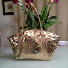 ELIZABETH ARDEN Vintage Bag Golden snake  skin  bag  with zipper.  No pocket inside . Excellent condition.  Its vintage hand made item.  I have a matching  small  purse , will go with this bag. Elizabeth Arden Bags Satchels