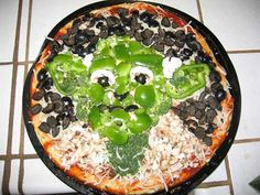 yoda pizza :: olives, broccoli, feta cheese, cauliflower, mushrooms, and, of course, cheese and sauce.