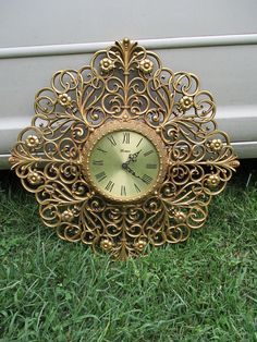 Vtg 1976 Syroco Style Victorian Floral Scroll Designs Gold Tone C Battery Wall Clock, Burwood Products, Hollywood Regency,  Works