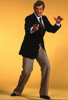 AlloCiné : Forum Stars & célébrités : Roger Moore is James Bond !