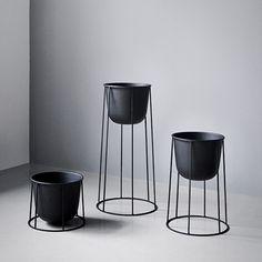 designdelicatessen - Menu - Wire Series - Plant stand - Menu