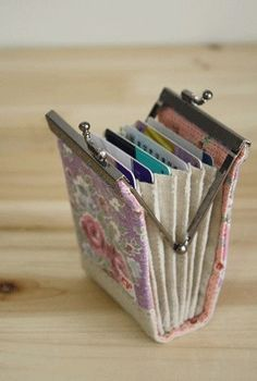 Accordion Fold Frame Card Holder PDF Tutorial and Pattern