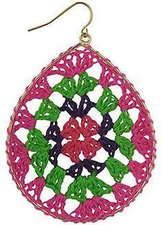 Crochet Earrings i would wear these Crochet Art, Thread Crochet, Crochet Crafts, Yarn Crafts, Crochet Flowers, Crochet Projects, Granny Square Crochet Pattern, Crochet Patterns, Crochet Granny