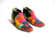 vintage ankle boots. wow.