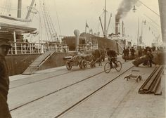 Södra hamnen i Helsingfors, 1914. Foto Nils Wasastjerna sls883_20  Ur boken Helsingfors i ord och bild Utgiven av Svenska litteratursällskapet i Finland, 2012  www.sls.fi Foto: Nils Wasastjerna
