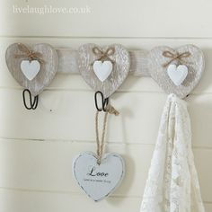 Decorative shabby chic and vintage wall hooks for just a few keys, or for a small hotels worth. Wood Crafts, Diy And Crafts, Arts And Crafts, Decoupage, Wooden Wall Hooks, Deco Champetre, Craft Projects, Projects To Try, Country Paintings