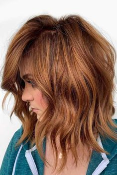 bob color ideas If you really searching for modern shades of hair colors then see our best suggestions of copper or red hair colors for various hair lengths. Ladies who have short or medium hair they must try this awesome red hair color in Medium Hair Cuts, Medium Hair Styles, Curly Hair Styles, Red Hair Cuts, Short Hairstyles For Thick Hair, Summer Hairstyles, Hairstyles Haircuts, Hairstyle For Medium Length Hair, Casual Hairstyles